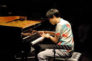 ピアノライブ