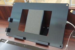 タブレットPC固定金具