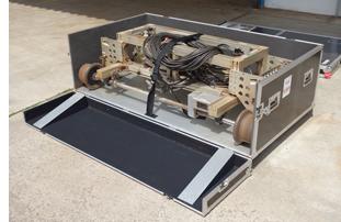 レール研磨機収納ケース 前扉オープン