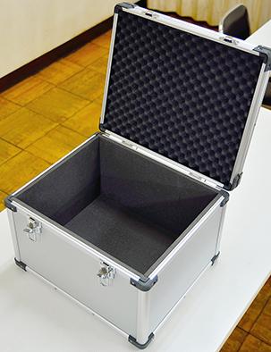 タブレット10台運搬用ソフトケース用アルミケース03